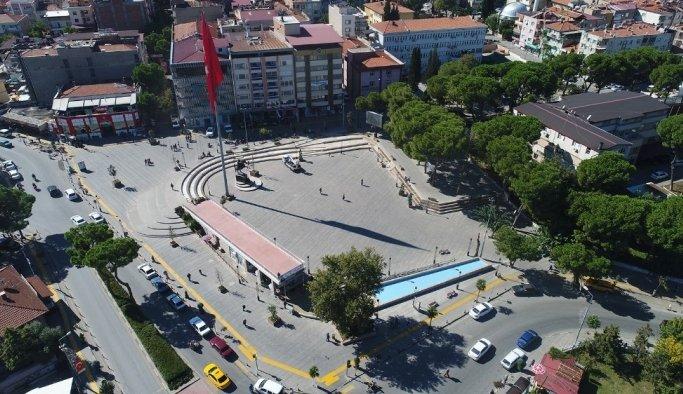 Alaşehir'de cadde üstü otoparklar artık ücretsiz
