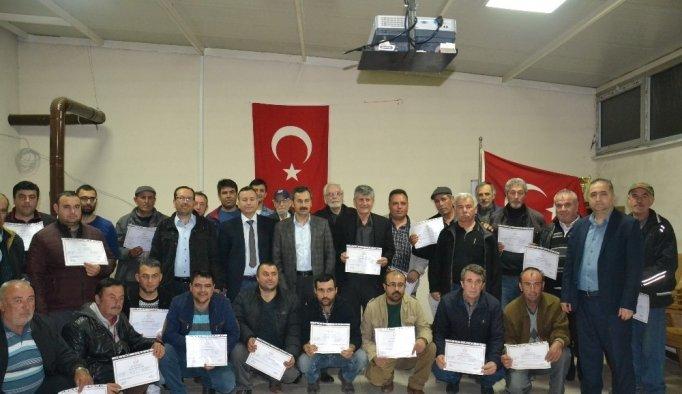 Arıcılık kursunu tamamlayanlara sertifikaları verildi