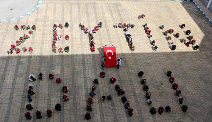 Manisa'da 130 öğrenciden 'Zeytin Dalı' koreografisi