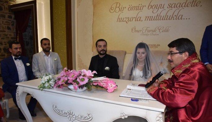 Başkan Çelik'ten yeni evli çiftlere dualı mesir