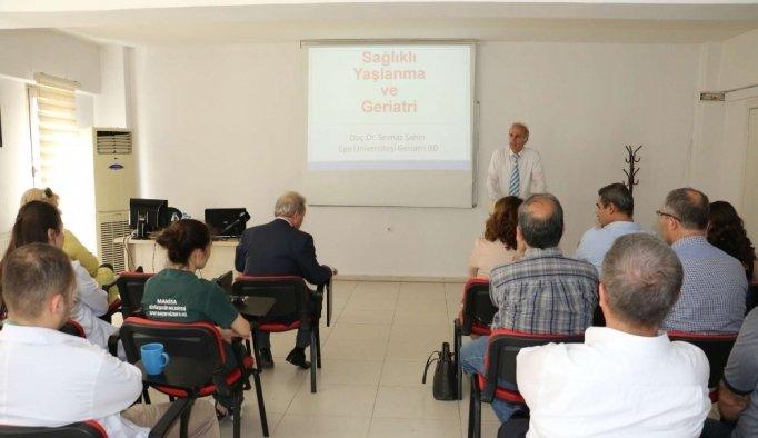 Gençlik Merkezinde sağlıklı yaşam semineri