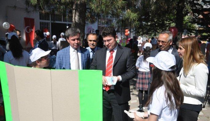 Kırkağaç'ta Bilim Fuarı ve Bilim Şenliğine büyük ilgi
