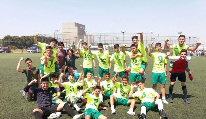 Salihli Belediyespor U15 takımı Manisa şampiyonu