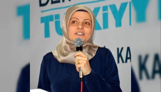 AK Parti Manisa Kadın Kolları'nda Aynil Yavaş güven tazeledi