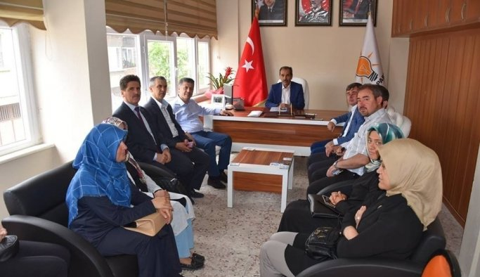 AK Partili Özkan Kırkağaçlıların desteğini istedi