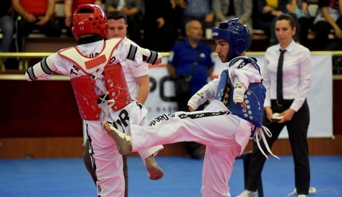 Akhisarlı paralimpik tekvandocu Arıcan, Türkiye birincisi oldu