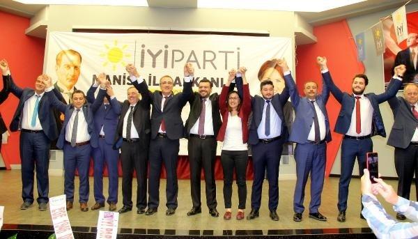 Manisa'da İYİ Parti adayları kamuoyuna tanıtıldı