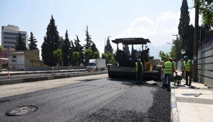 Moris Şinasi Kavşağında da asfalt çalışması başladı