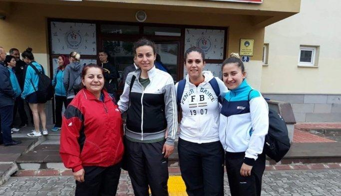 Salihli Belediyespor Masa Tenisi Takımı 2. Lig'de yoluna devam ediyor