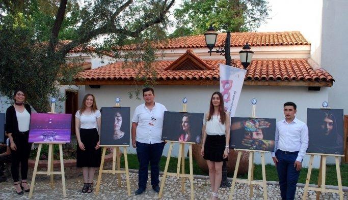 Salihli'de genç fotoğrafçılardan özel sergi
