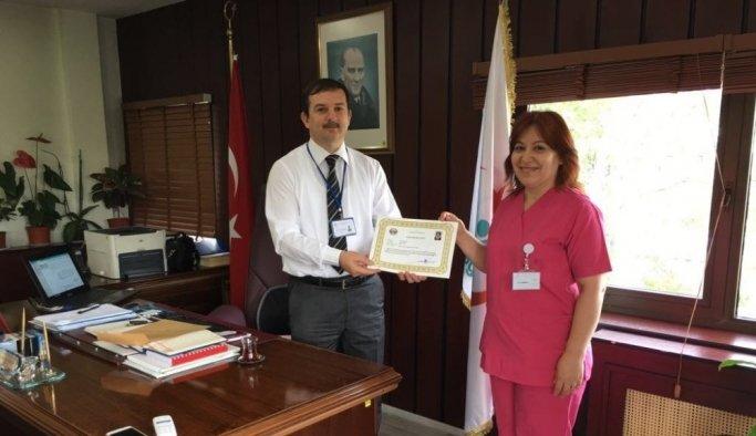 'Yılın Ebesi' ödülü Akhisar'a geldi