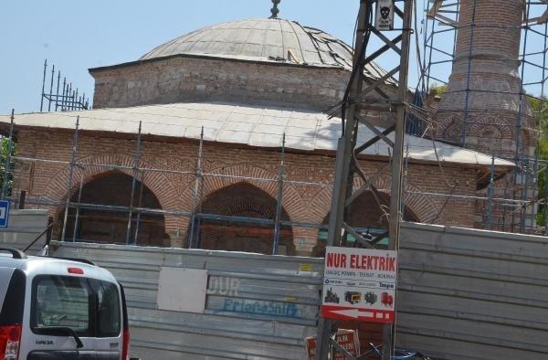 5 asırlık Gülruh Sultan Camisi'nde restorasyon başladı