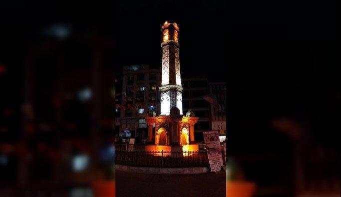 Demirci'nin saat kulesinin aydınlatması yenilendi