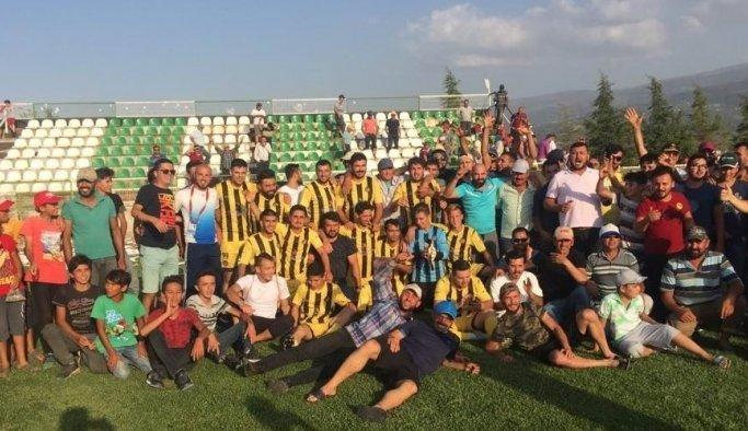 Kapancıspor şampiyonluk ipini göğüsledi