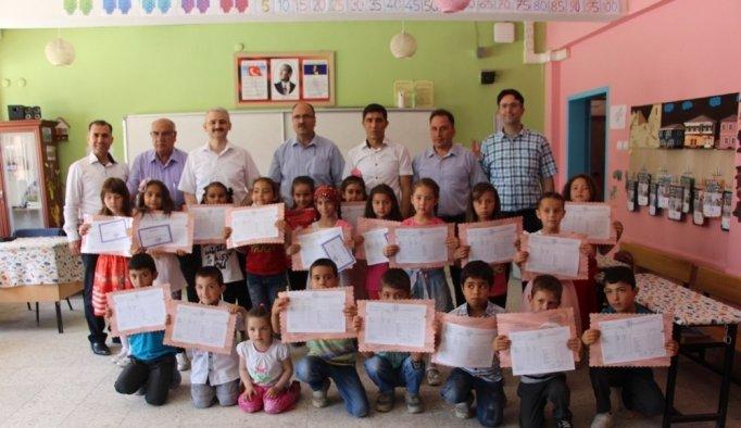 Kula'da 7 bin 132 öğrenci karne aldı