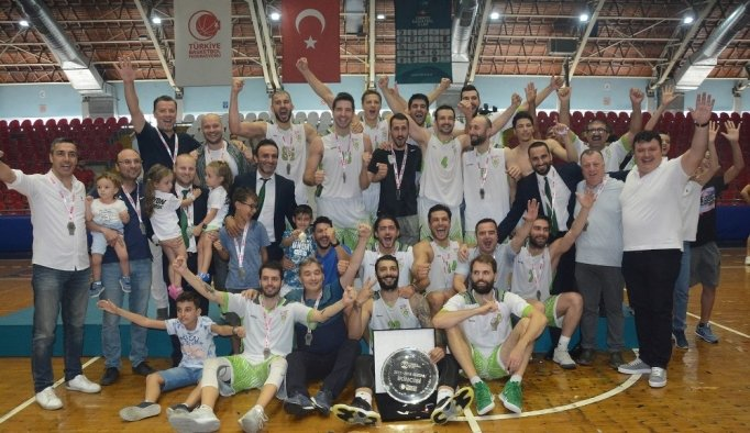 Manisa Büyükşehir'in dev adamları 1. Lig'e yükseldi