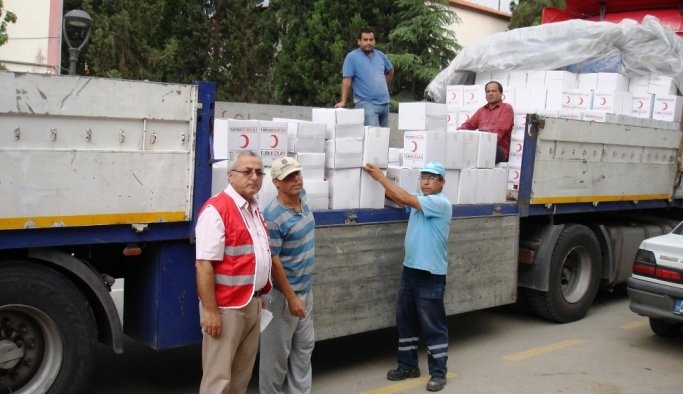 Sarıgöl'de Kızılay'dan gıda kolisi desteği