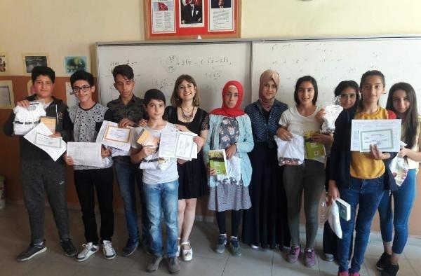 Turgutlu'da 650 öğrencinin yüzünü güldüren yardım