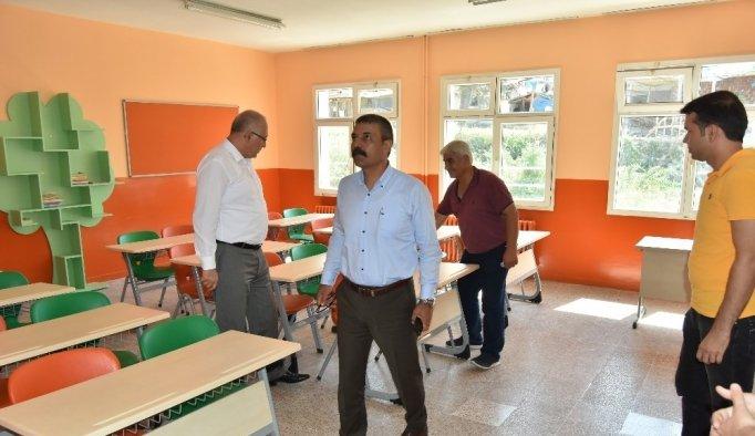 Salihli Belediyesi okulu güzelleştirdi