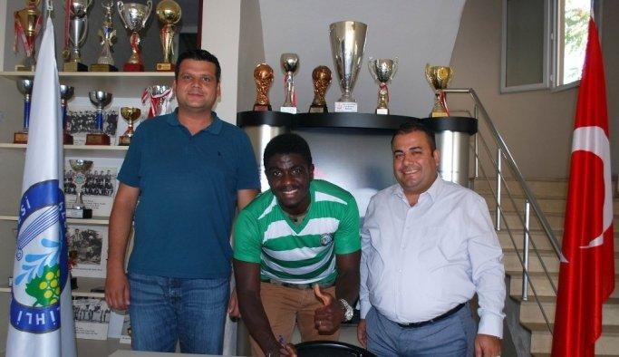 Amatör lige Nijerya uyruklu futbolcu