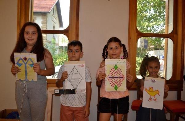 Anadolu'ya özgü motifler çocukların parmaklarında hayat buldu