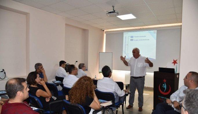 """Sağlık yöneticilerine """"EFQM Mükemmellik Modeli"""" eğitimi"""
