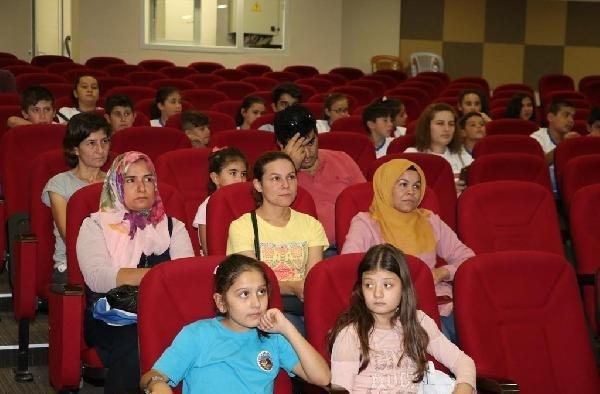 Kula'da mutlu çocuk yetiştirme semineri