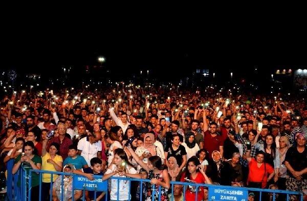 Sarıgöl'de festivale katılanlar Ankara havalarıyla coştu