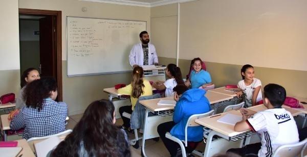 Şehzadeler Belediyesi'nin ücretsiz İngilizce kursuna kayıtlar başladı