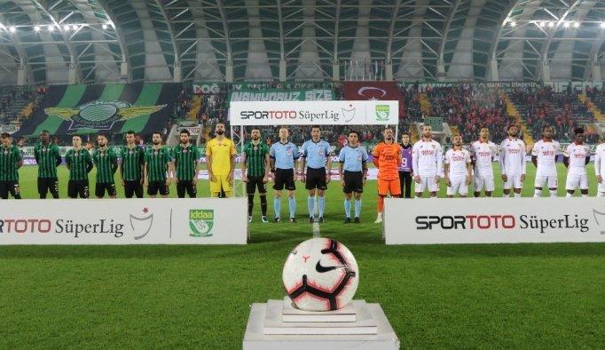 Spor Toto Süper Lig: Akhisarspor: 1 - Göztepe: 0 (İlk yarı)