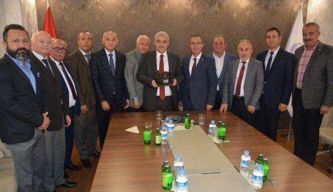 Vali Güvençer, MESOB Başkanı Geriter ile vedalaştı