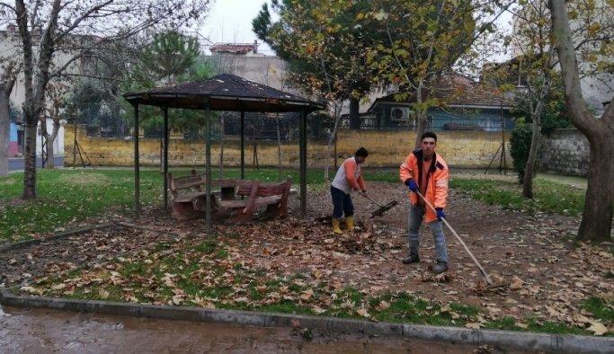 Alaşehir Belediyesi temizlik çalışmalarını aralıksız sürdürüyor