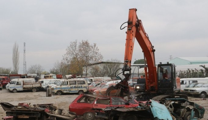 Manisa'daki hurda araçlar MKE'ye devredildi