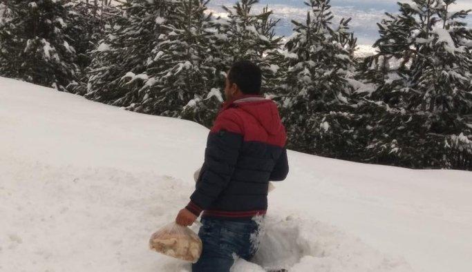 Demirci'de kar kalınlığı bir metreye ulaştı