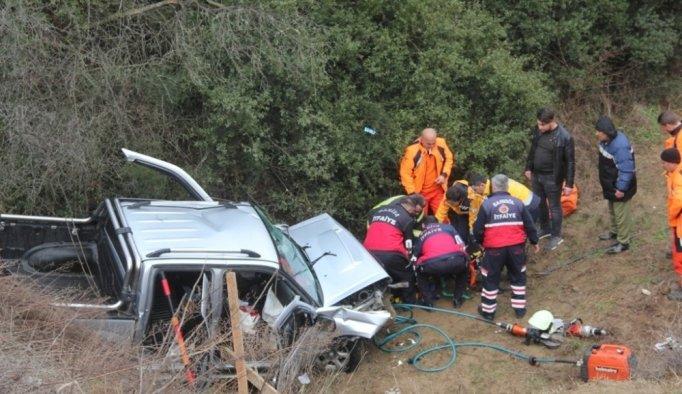 Manisa'da kamyonet şarampole yuvarlandı: 4 yaralı