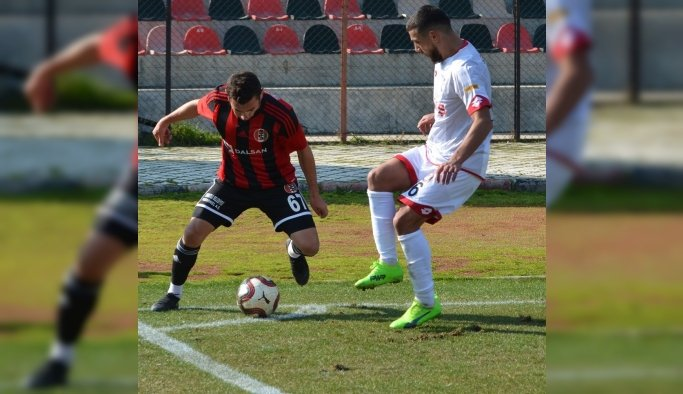 TFF 3. Lig 3. Grup: Turgutluspor: 3 - Yeni Çorumspor: 2