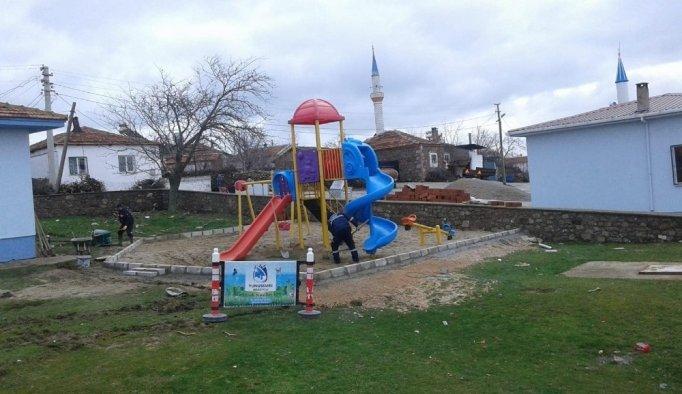 Yunusemre'deki çocuk oyun parkları yenileniyor