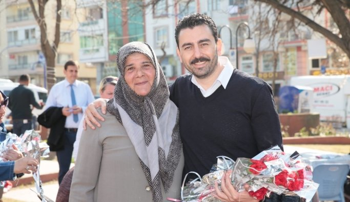 Özkan'dan kadınlar tam destek