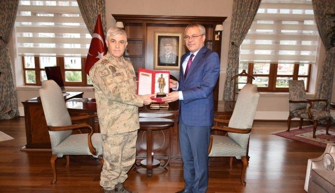 Vali Deniz, Jandarma Genel Komutanı Orgeneral Arif Çetin'i ağırladı