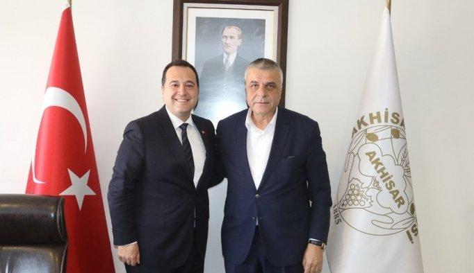 Akhisarspor yönetiminden yeni başkan Dutlulu'ya ziyaret
