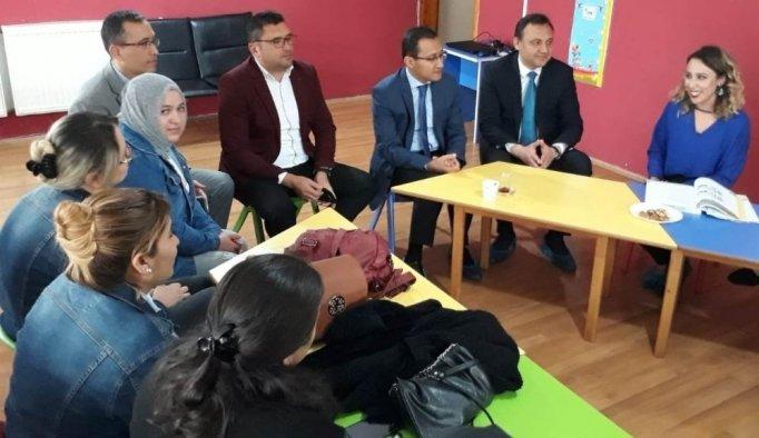 Alaşehir'de anne ve babalar kursiyer oldu