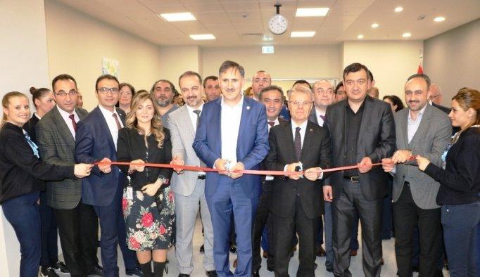 Manisa Şehir Hastanesinde kütüphane açıldı
