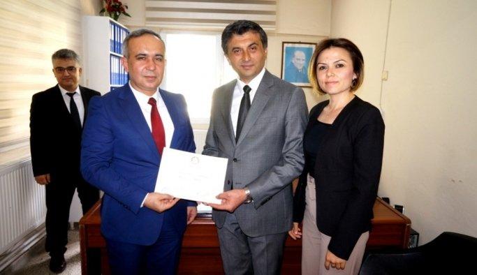 Sarıgöl Belediye Başkanı Selçuk mazbatasını aldı