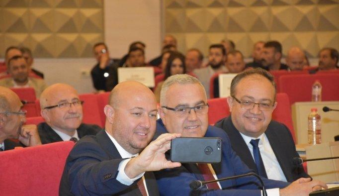 Şehzadeler Belediyesi yeni dönemin ilk meclis toplantısını yaptı