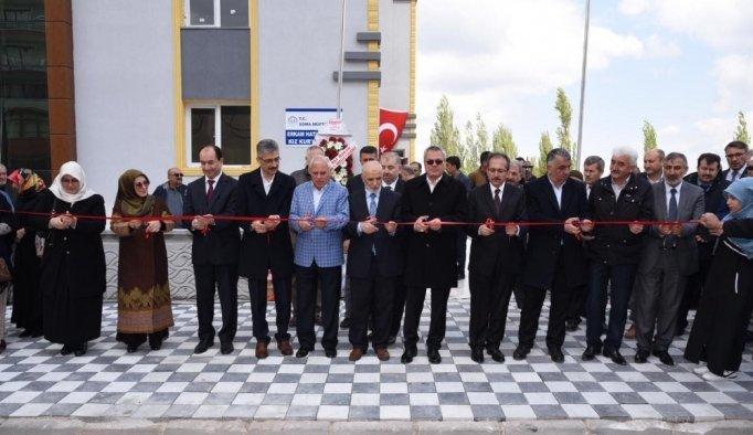 Vali Ahmet Deniz, Soma'da Kur'an kursu açılışına katıldı