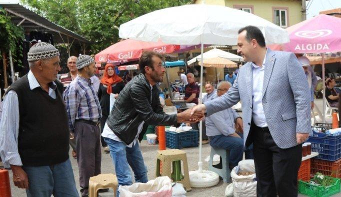 Başkan Dutlulu, köy pazarında esnaf ve vatandaşla buluştu