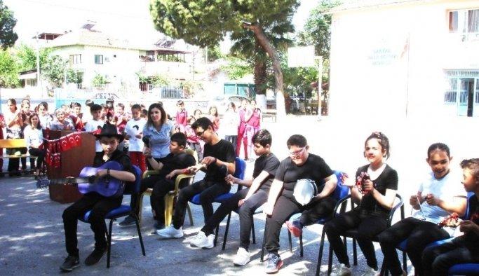 Engelli öğrenciler hünerlerini sergiledi