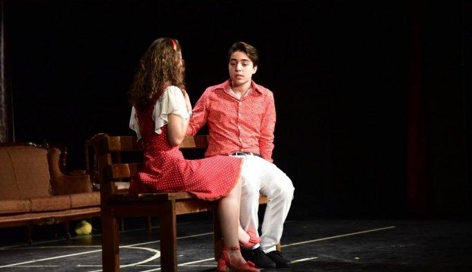 Manisa'da Tiyatro Festivali başladı
