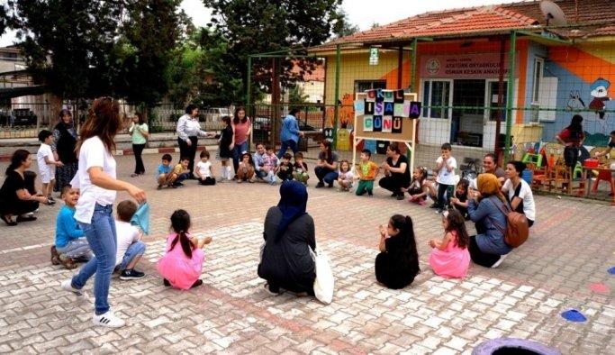 Sarıgöl ve Kula'da okullar dışarı taşındı