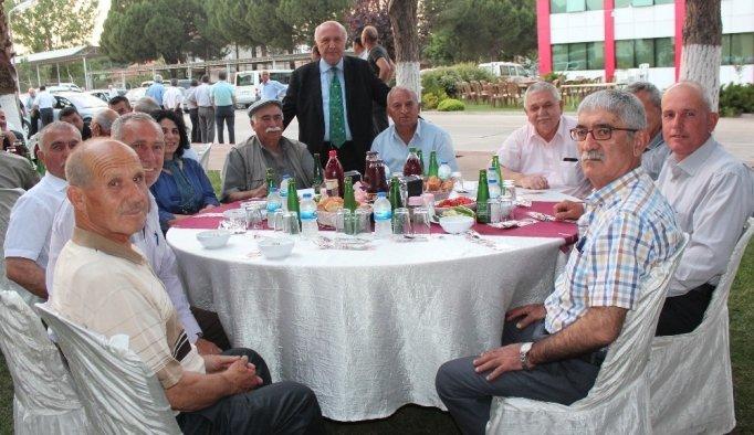 TARİŞ'ten Alaşehir'de iftar